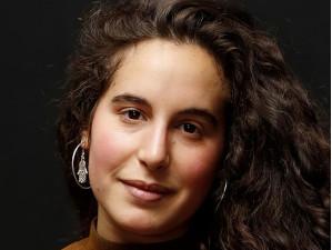 Porträt von Lina Soualem, Regisseurin